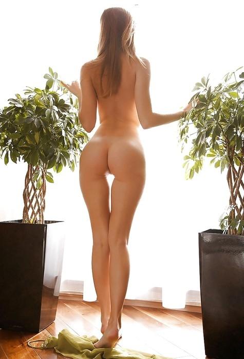 фото высокие голые девушки