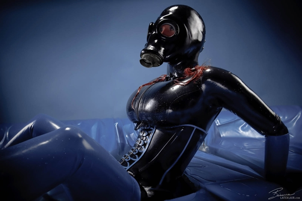 Zdjęcie: bluepool169 084 838; Big Tits Fetish Latex
