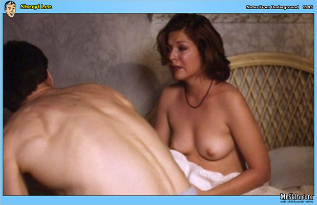 Sheryl Lee topless in bed; Celebrity