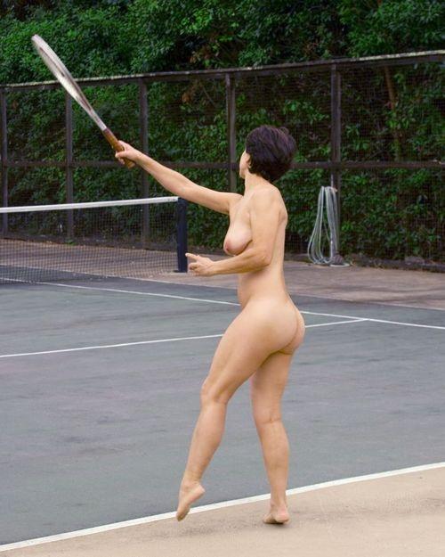 голые попки спортсменок фото