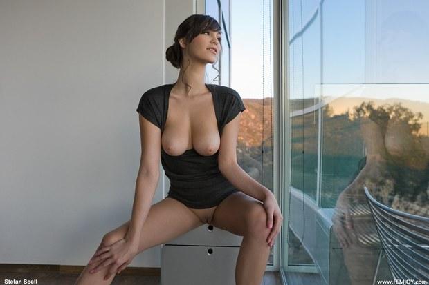 Фото молодая большая грудь 64848 фотография