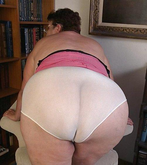 Free chubby women in panties pictures