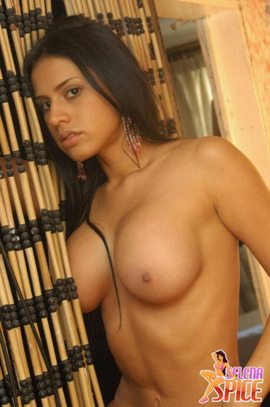 ...; Athletic Babe Big Tits Latina
