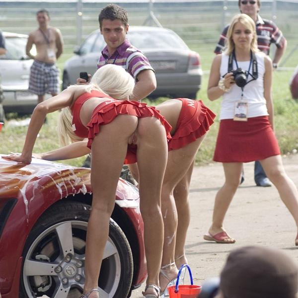 Порно фото курьёзы на улице