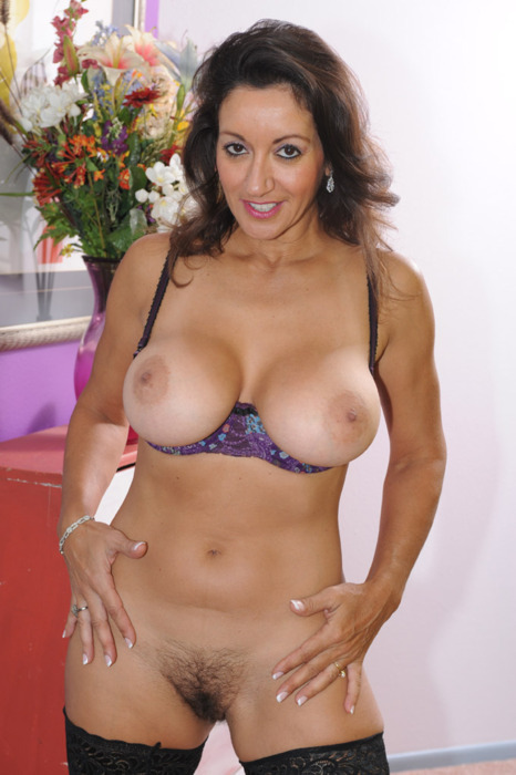 Latina milf boobs