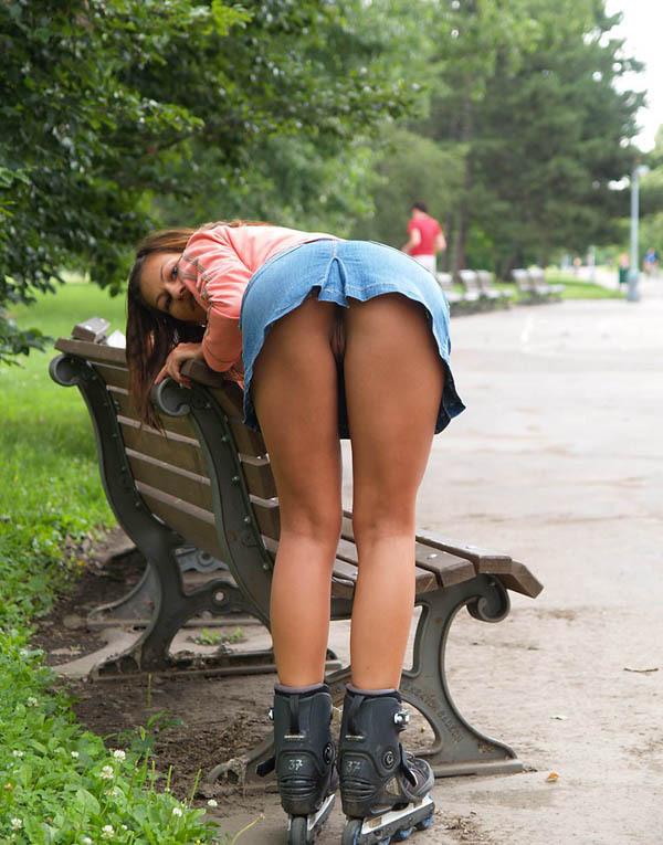 Под юбкой подсмотренное на улице и в транспорте
