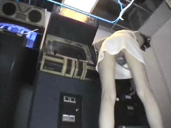 Up-skirt shot of young  skinny girl at the video arcade.; Amateur Babe Teen Hot Softcore