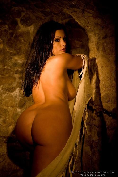 Очень пышные голые красивые девушки фото