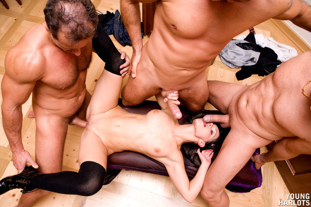 Групповой секс онлайн фото
