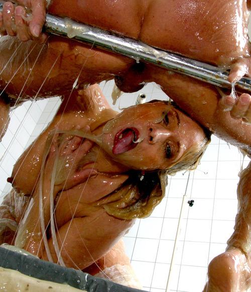 анальный секс фото девушек в слизи разные лежат