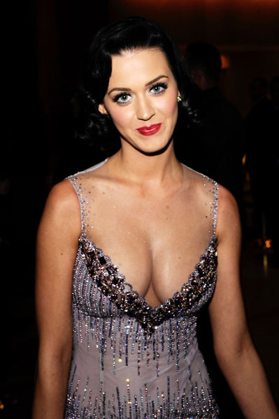 ...; Brunette Celebrity Cleavage