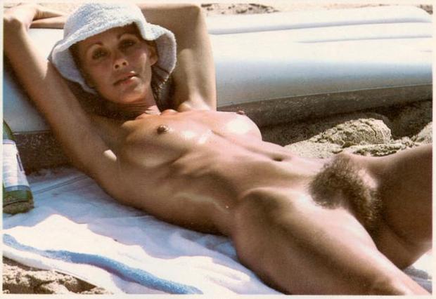 Shown at: http://vintage-erotica-forum.com/t10486-p3-joanie-allum ...